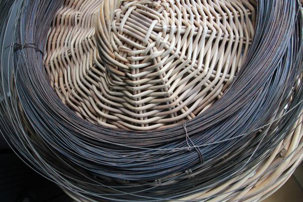 delf-sculture-fil-de-fer-panier