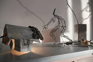 delf-sculpture-fil de fer-ambiance